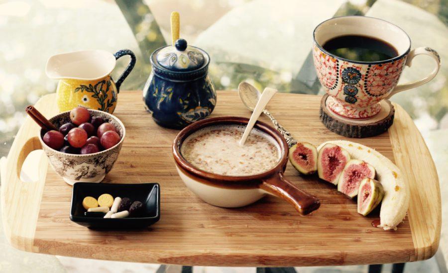 kawa, owoce, przekąski