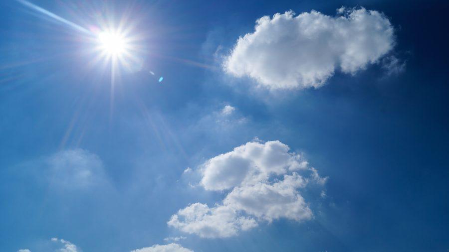niebo, chmurym, słońce