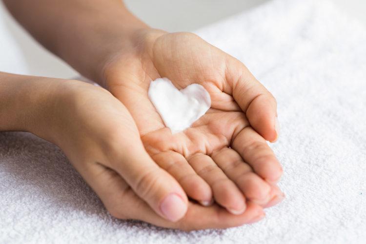 Pielęgnacja skóry wrażliwej - Magdalena Ciupińska - Blog BANDI