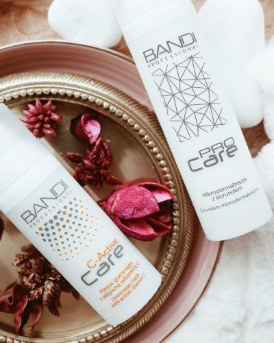 Kosmetyki złuszczające i z witaminą C doskonale się sprawdzą do pielęgnacji skóry wiosną.