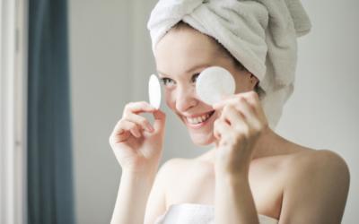 Dlaczego warto stosować dwuetapowe oczyszczanie skóry?