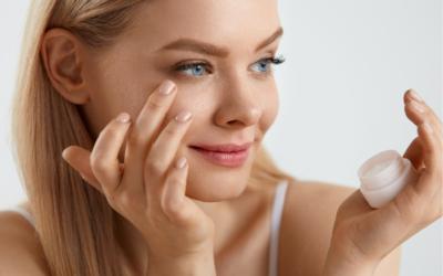 Skóra wokół oczu – regeneracja po lecie